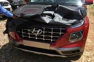 В Сети появились «живые» фото кросса Hyundai Venue